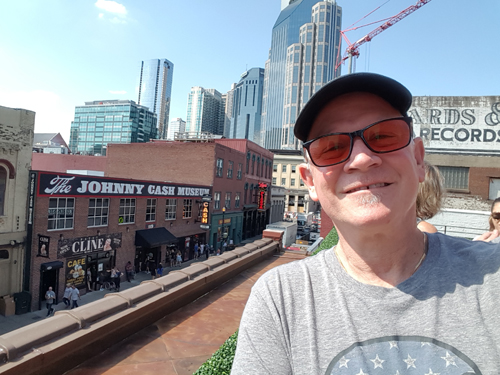 Jim Kearns touring Nashville